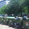 Na melyik városszéli szemétlerakónál járunk? Egyiknél sem, ez a Szabadság tér, Budapest szívében