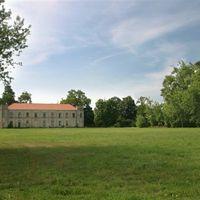 55 millió forintért megveheted a kastélyt, ahol a 20-as évek egyik leghírhedtebb gyilkossága történt