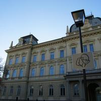 A nap képe: kijelölt csókolózóhely Mariborban