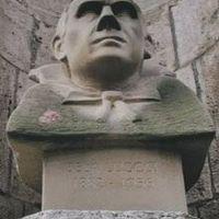 A zuglói Drakula-szobor és Budapest újabb félelemetes épületei - a sorozat folytatódik