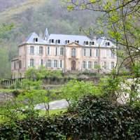 Fogalmatlan ausztrálok újítanak fel példásan egy francia kastélyt