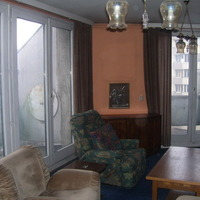 Tehénalakú lakás hat erkéllyel. Keressünk furcsa alaprajzú lakásokat!