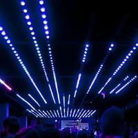 LED-fal, párafal és a lyukas bádogfal - ilyen az új Corvintető