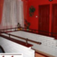 Légüres térre néző erkély és a grillsütős hifitorony - ingatlansaláta