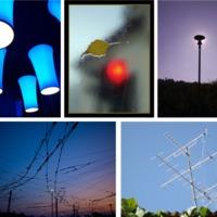 Futó fények, zöldellő villanyoszlop és a jelzőlámpa magányossága. Klassz fotók hétvégére a Városkapcsolóban