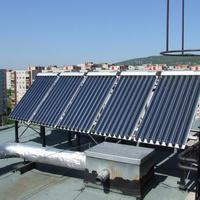 Átadták az első panelházi napkollektort