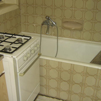 Egy 110 négyzetméteres lakásban miért kell egybeépíteni a fürdőszobát a konyhával? - ingatlansaláta