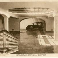 Budapest első mélygarázsa. 1937-ben nyitották meg, ma is üzemel, sőt azóta építettek alá egy úszómedencét is