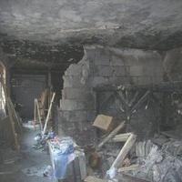 Kiégett lakást árulnak az Ingatlan.com-on