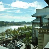 Iroda a Margitszigeten: béreljünk negyedik emeleti, panorámás munkahelyet a Duna közepén!