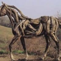 Linkek a tüzépbarokktól az uszadékfa lóig