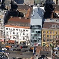 K6 az Astoriánál: menő mini irodaház a Belvárosban, amiben ráadásul a régi pesti városfal egy darabja is megmaradt