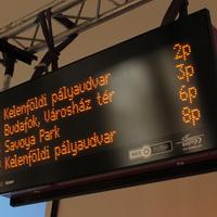 Jövőre 30 budapesti jelzőlámpánál tudják meghosszabbítani a zöldet a buszok. Íme a teljes lista és további izgalmas fejlesztések