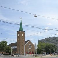 Épüljön-e torony a Bosnyák téri templomnak?