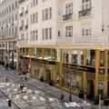 A szomszéd utcákban terjeszkedik tovább a Fashion Street - napi linkek