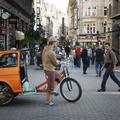 Váci vagy Andrássy? Bírják-e a hagyományos bevásárlóutcák az új trónkövetelők és a plázák támadását?