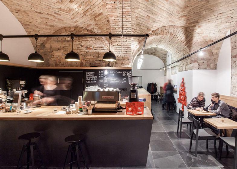 Cafe-in-Budapest-by-Spora-Architects_dezeen_ss_6.jpg