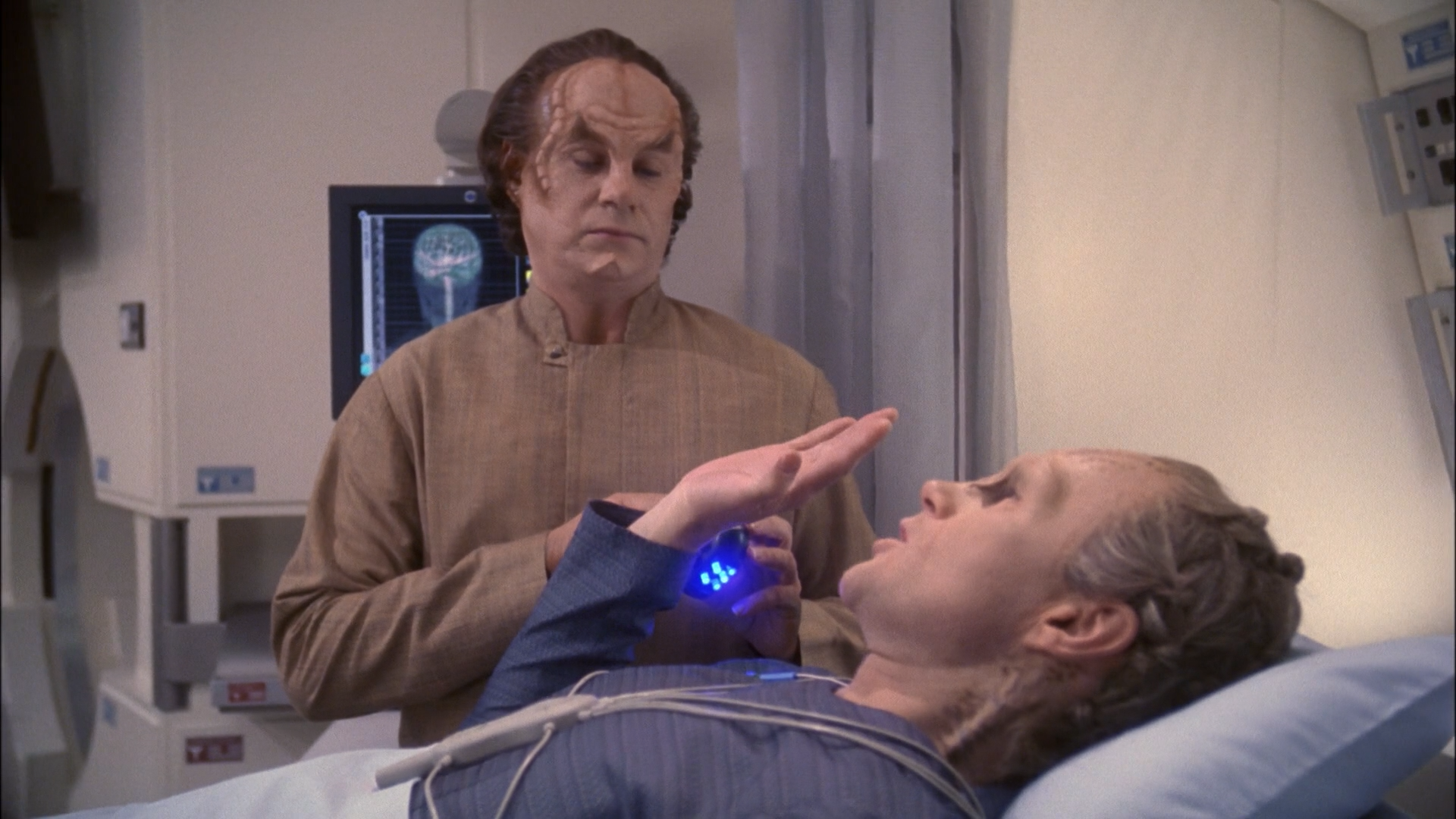 star_trek_enterprise_s02e21_1080p_bluray_x264-greenblade_mkv_snapshot_29_46_827.png
