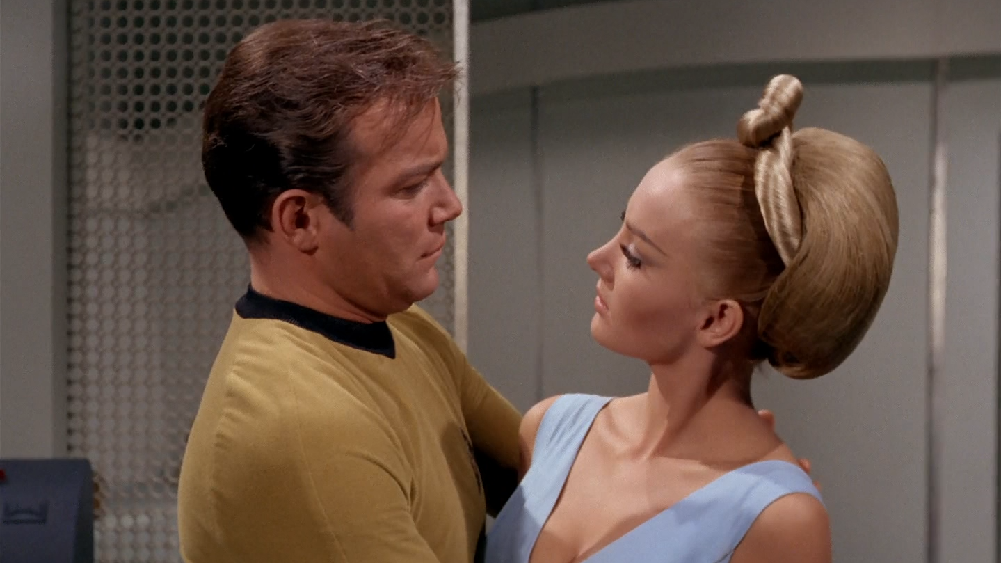 star_trek_the_original_series_s02e22_original_1080p_bluray_x264-mars_mkv_snapshot_35_25_749.png