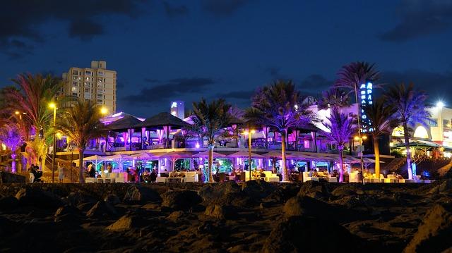beach-bar-1536820_640.jpg