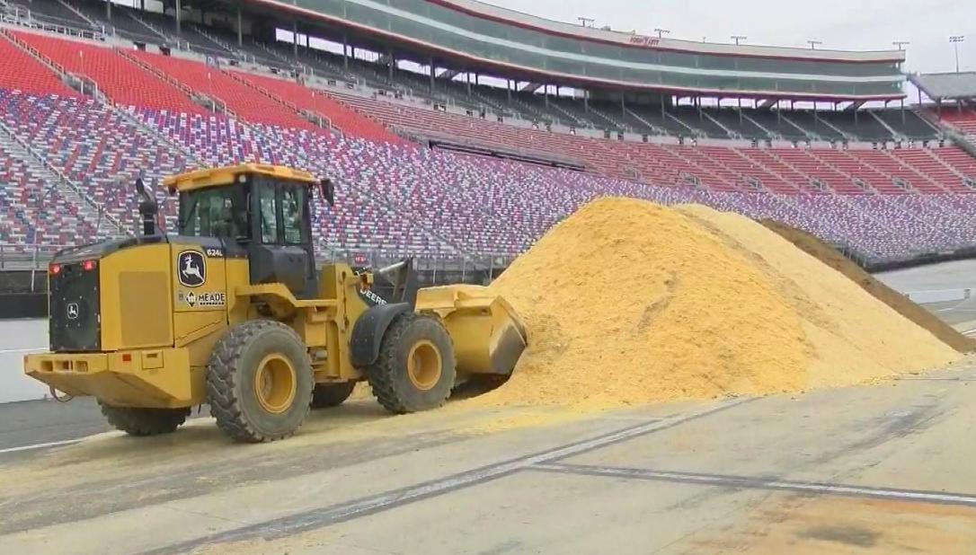 NASCAR dirt: Megkezdődött a BMS átalakítása