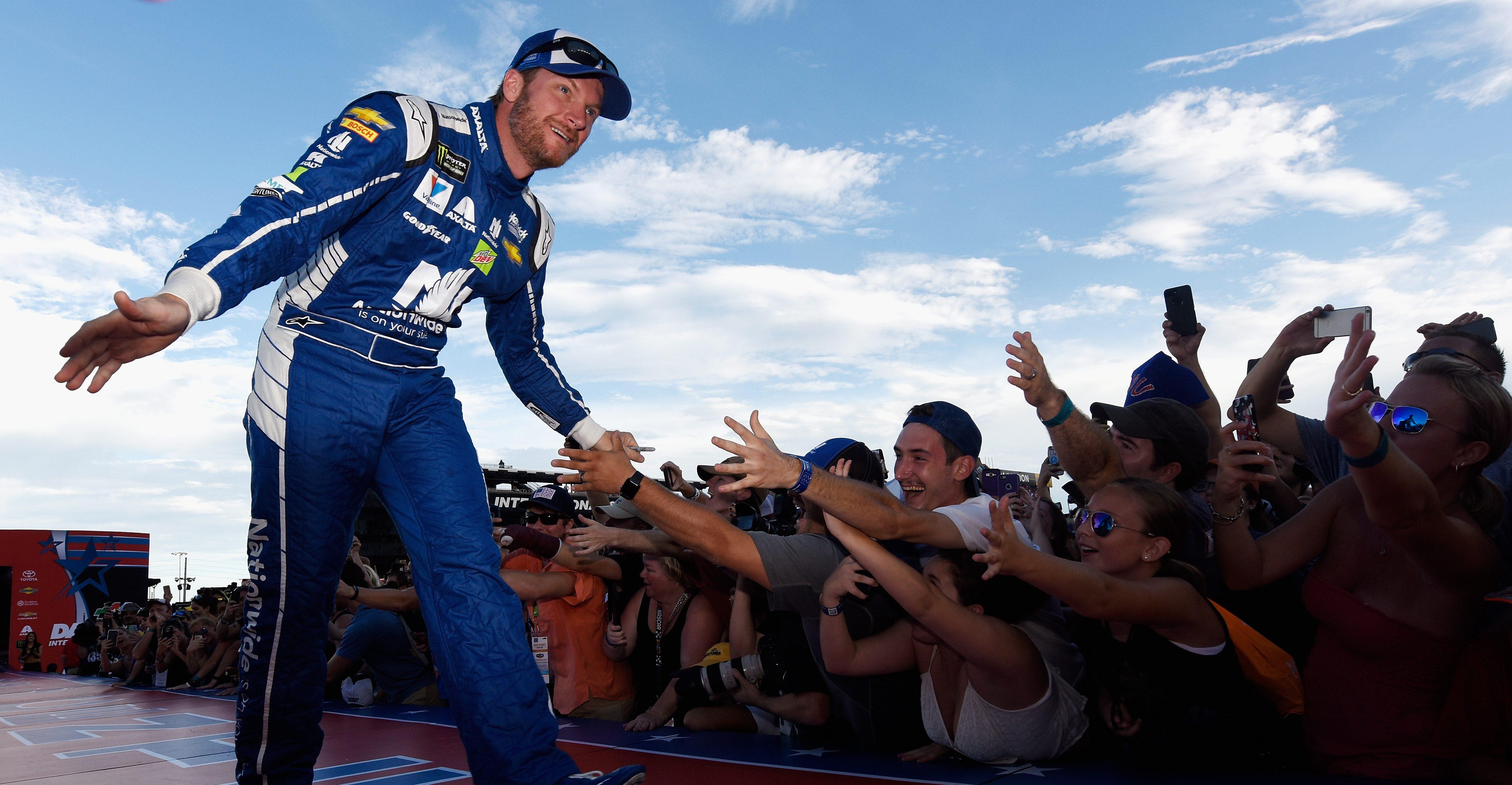 Dale Jr.: Csak azért tölthettem ennyi időt a NASCAR-ban, mert népszerű voltam