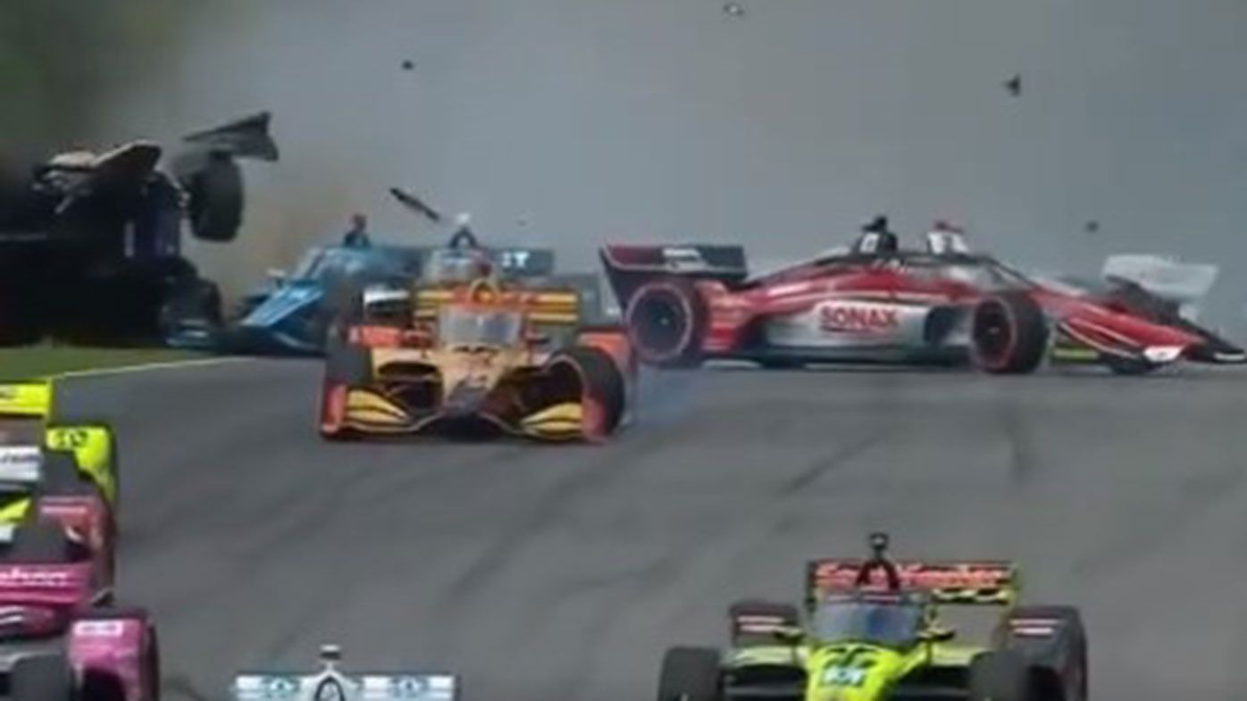 IndyCar: Newgarden bocsánatot kért a tömegbalesetért