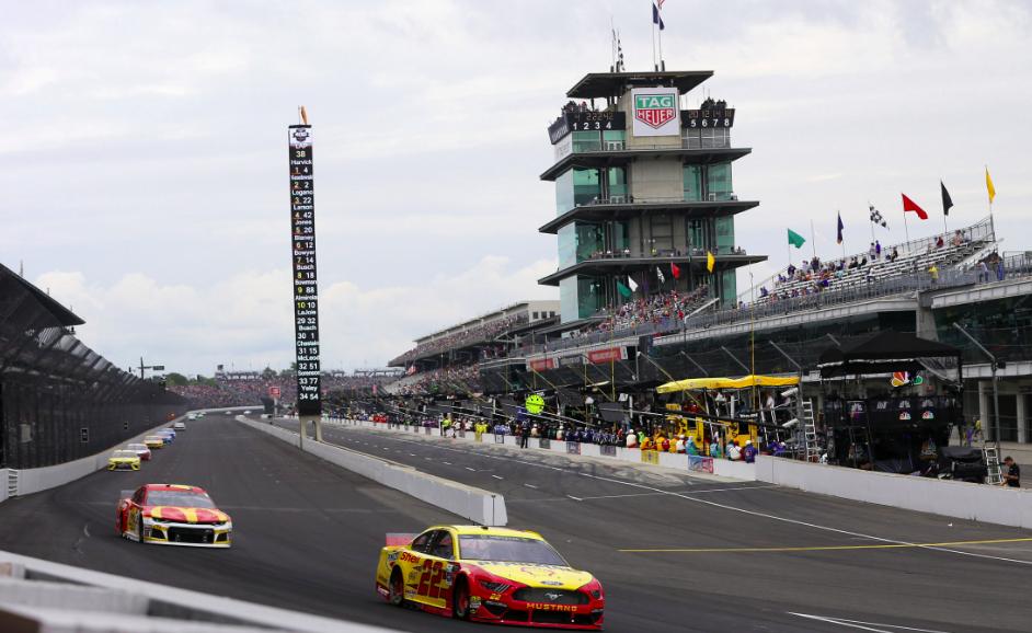 """""""A NASCAR elvesztette egyik koronaékszerét"""" – A JGR pilótái utálják, hogy az IMS roadján kell versenyezniük"""