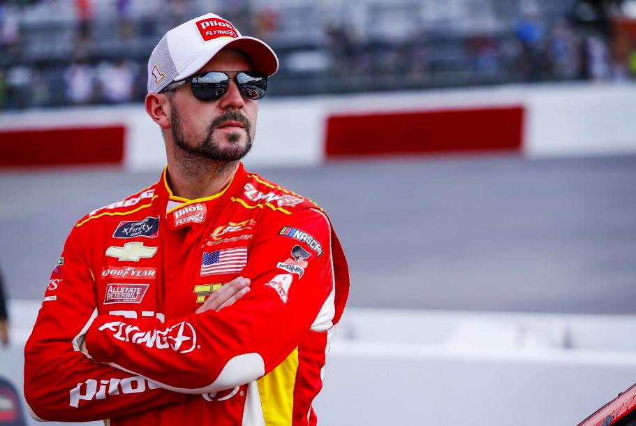 Visszavonul a teljes szezonos NASCAR-versenyzéstől Michael Annett