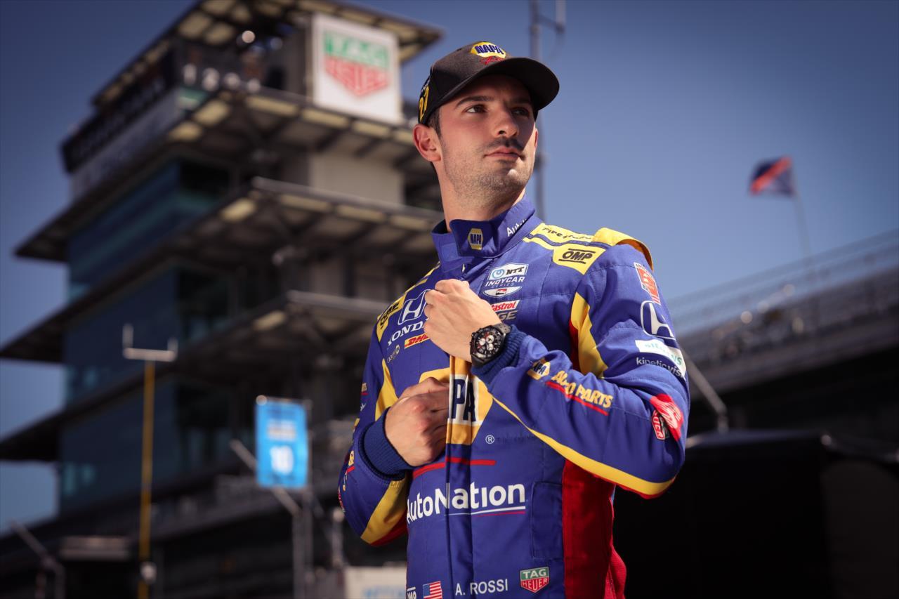 Indy 500 vs. bajnoki cím, NASCAR és a fő kérdés: Tüsszentett már valaha Rossi a versenyautóban?