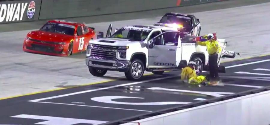 NASCAR: És a legkínosabb pillanat díját kapja… (VIDEÓ)