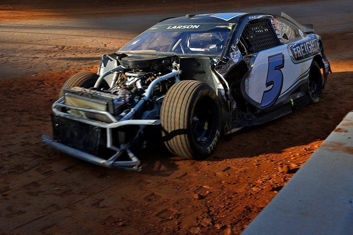 NASCAR: A bristoli dirt legemlékezetesebb pillanatai