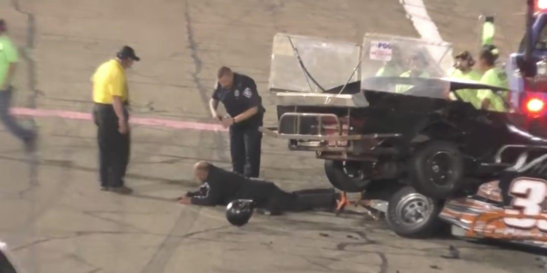 A motorsport egyik legnagyobb seggfeje revansot akart venni, aztán jött egy rendőr a sokkolójával