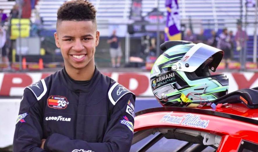 Gatewayen debütál a NASCAR történetének első, autista versenyzője