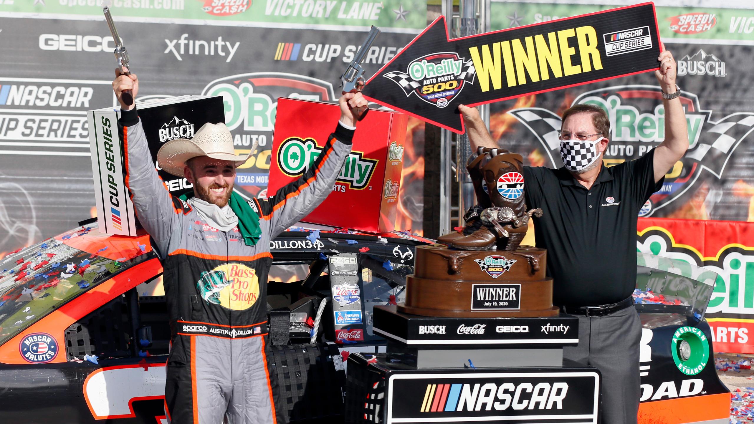 NASCAR: Austin Dillon nyert Texasban, Johnsonék óriásit hibáztak, a közellenség pedig egy újonc lett