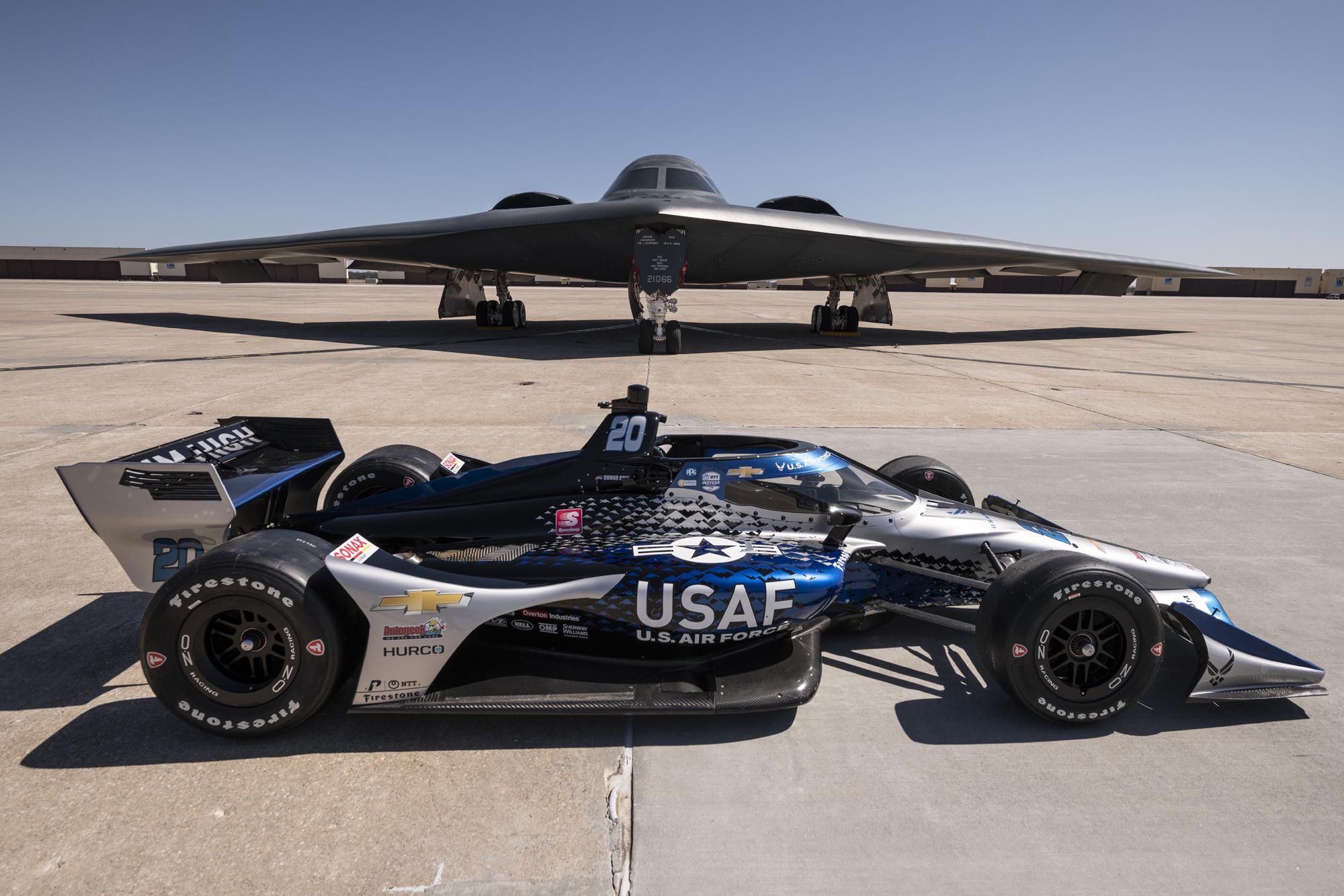 IndyCar: Nehézbombázó lesz Conor Daly autója – Szó szerint