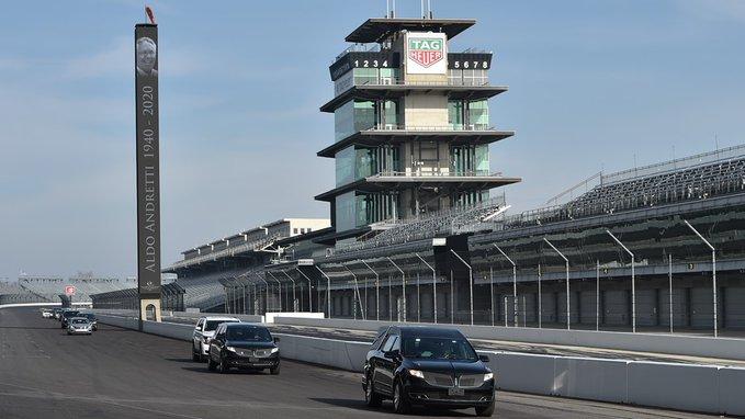 Megtette utolsó körét az Indianapolis Motor Speedwayen Aldo Andretti