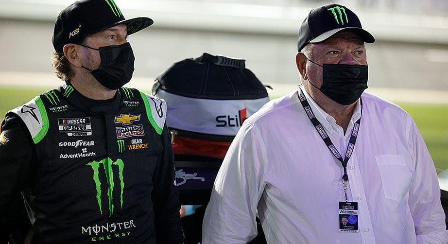 A NASCAR felfüggesztette Chip Ganassit a COVID-protokoll megsértése miatt