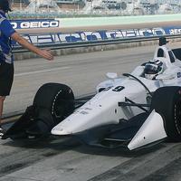 Elérzékenyült első IndyCar tesztjén a Carlin-vezér