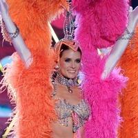 Danica Patrick showgirlként riszálta