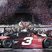 Drámák sorozatát és egy vadonatúj győztest hozott a 60. Daytona 500
