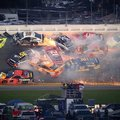 Denny Hamlin húzta be a kaotikus Daytona 500-at