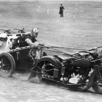 Ennél menőbb extrém motorsportot még nem hordott a hátán a Föld