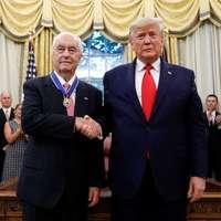 ElnökiSzabadság-érdemrenddel tüntették ki Roger Penske-t