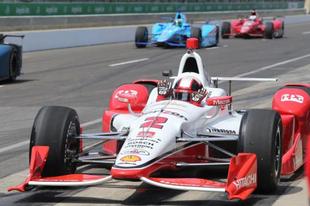 Montoya nyitott az élen Indianapolisban
