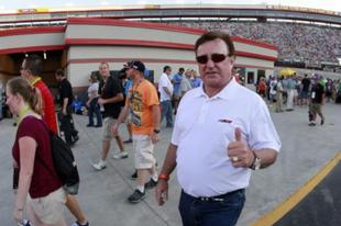 Betörtek a házába, erre a NASCAR legenda szó nélkül tüzet nyitott