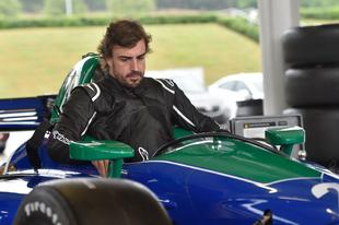 A motorok miatt áll a bál Fernando Alonso IndyCar-programja körül