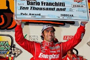 Dario Franchitti szerezte meg a pole-t Iowában