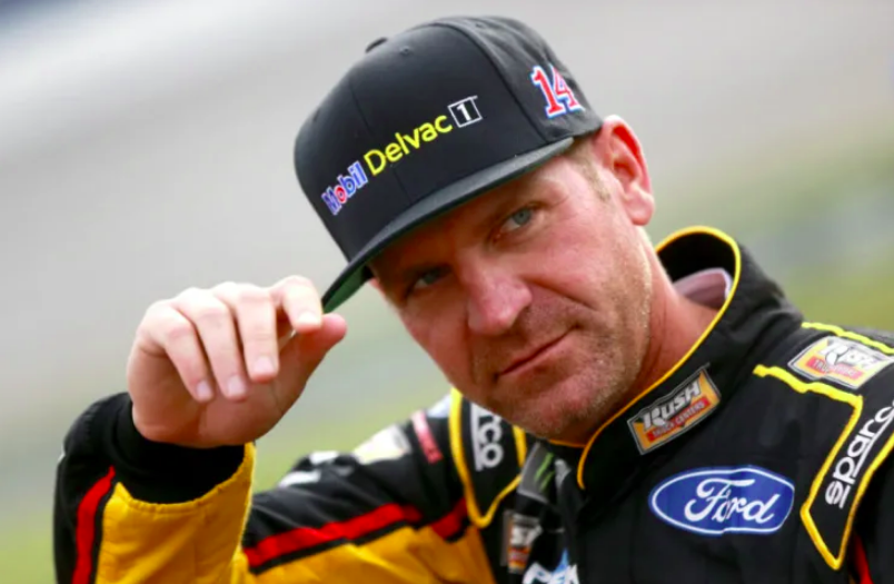 NASCAR: Visszavonul Clint Bowyer