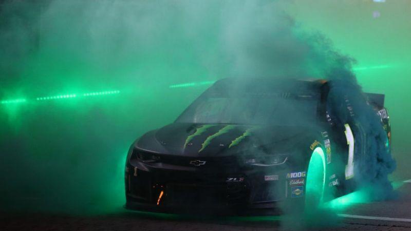 Világítani fognak az autók a NASCAR bristoli All-Star futamán